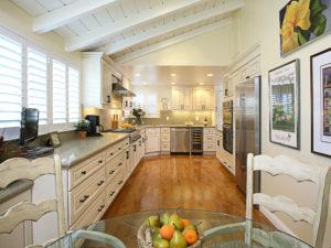 RiverRun Cabinets Hampton - Kitchen (2)